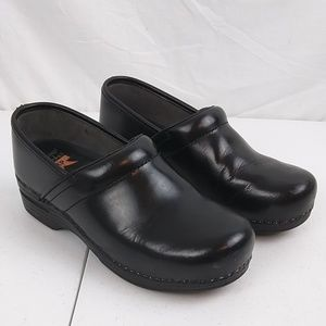Dansko Women's Clogs Shoes Sz 38 Color Black